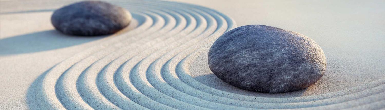 Casa Smi Kontakformular - Steine im Sand